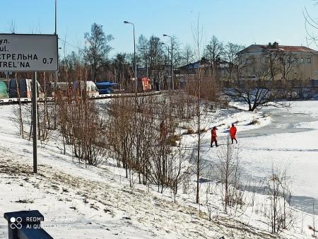 В Стрельне лыжник провалился под лёд