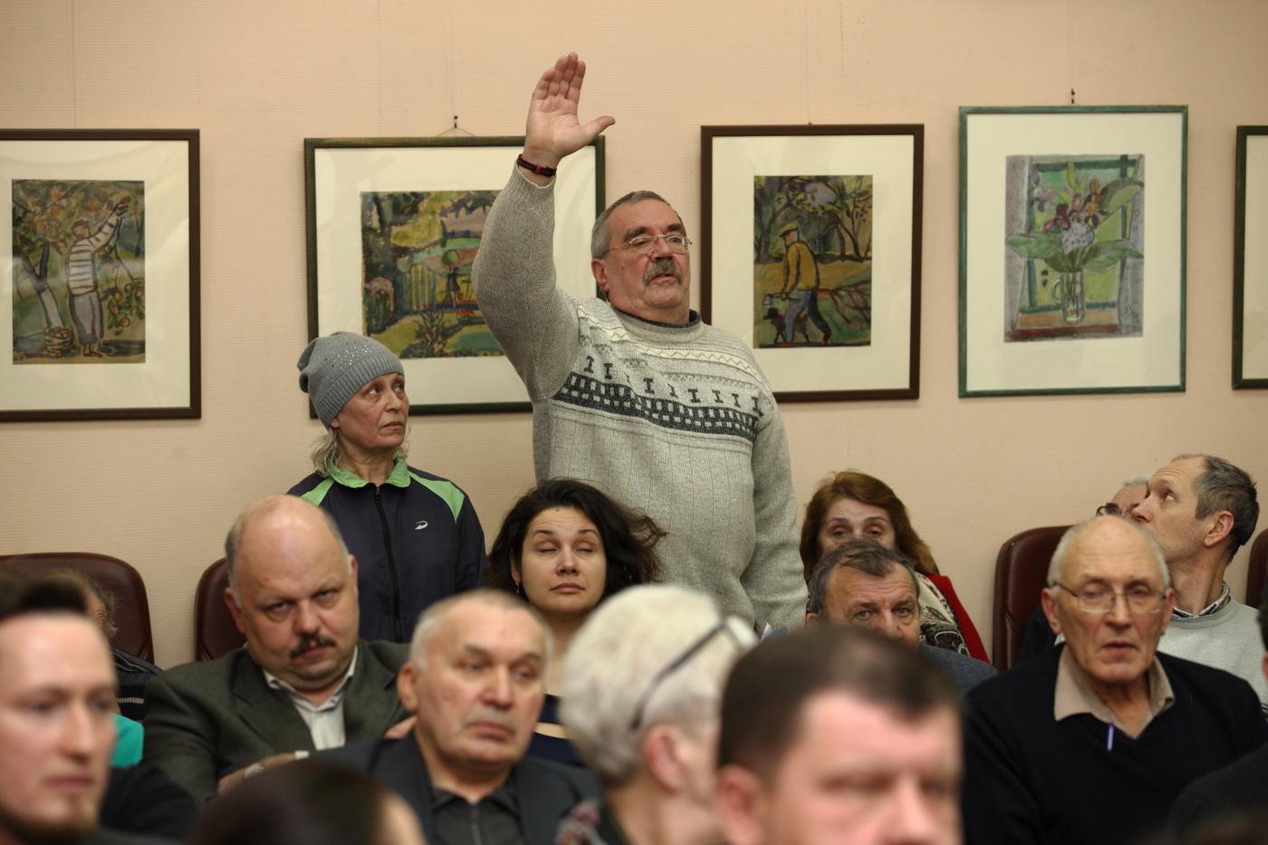 С жителями Петергофа обсудили вопросы, волнующие горожан