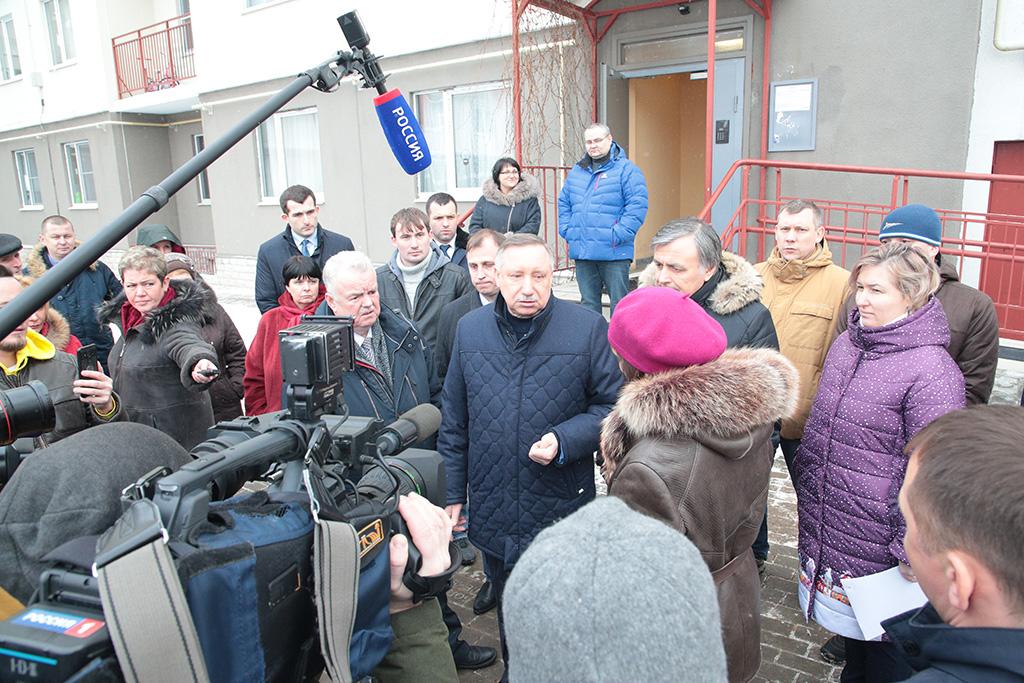 Город ремонтирует проблемные новостройки на Ропшинском шоссе