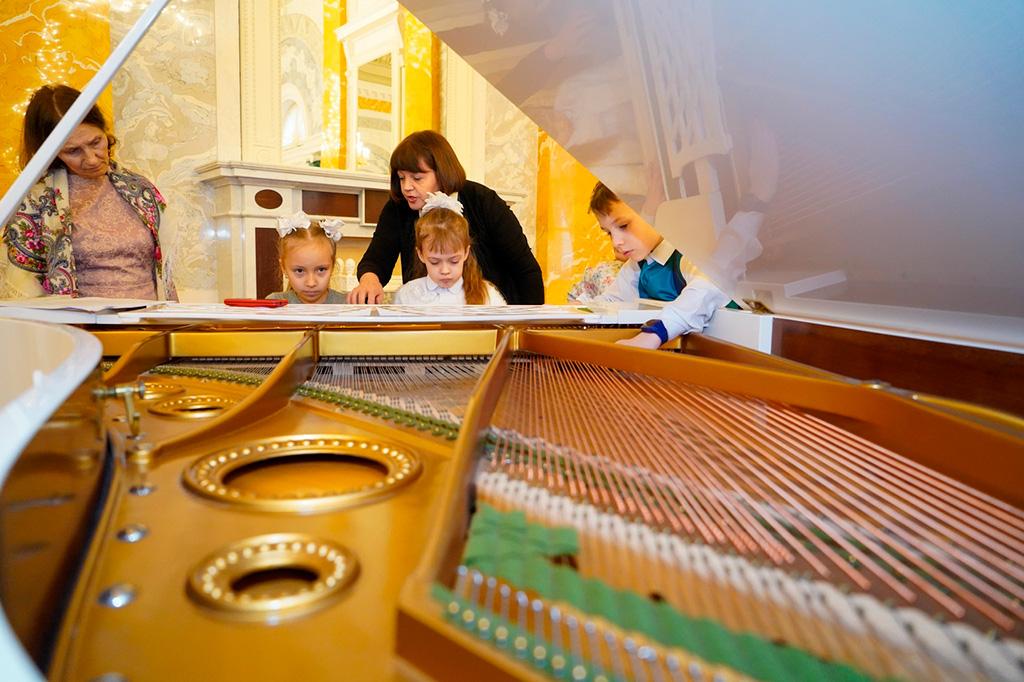 Концерт учащихся Музыкальной школы № 42 в Константиновском дворце