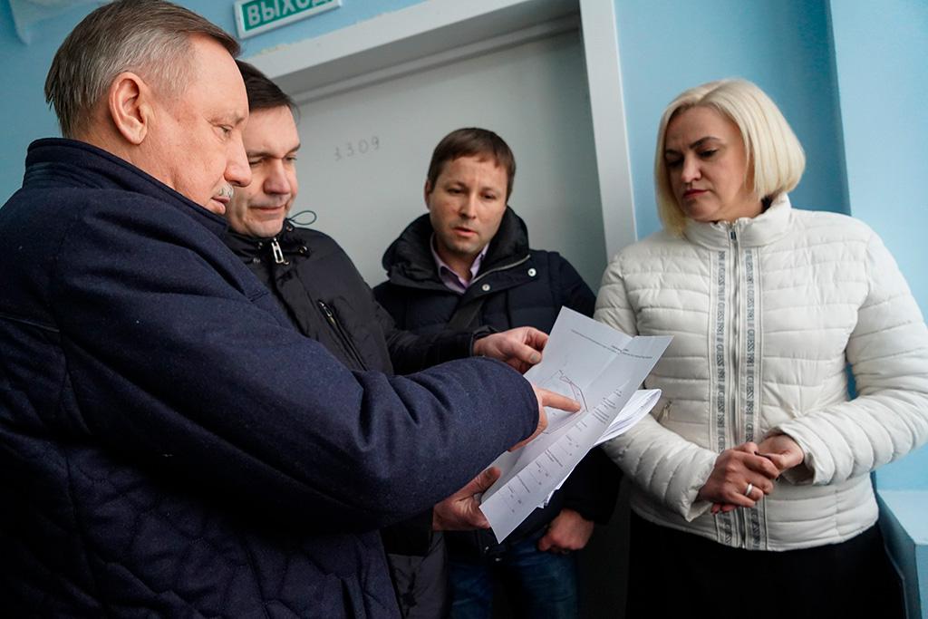 Александр Беглов посетил городскую поликлинику на Львовской