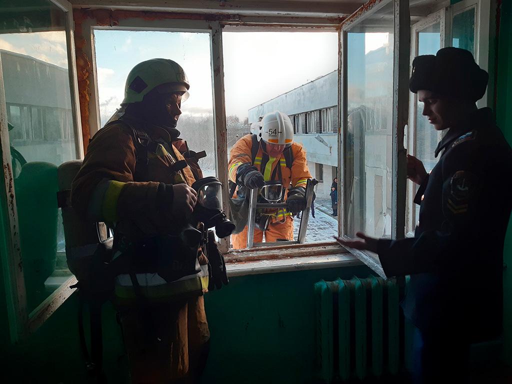 Пожарные учения в университете им. С.О. Макарова