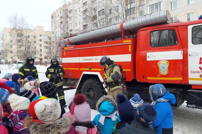 Спасатели напомнили ребятам правила пожарной безопасности