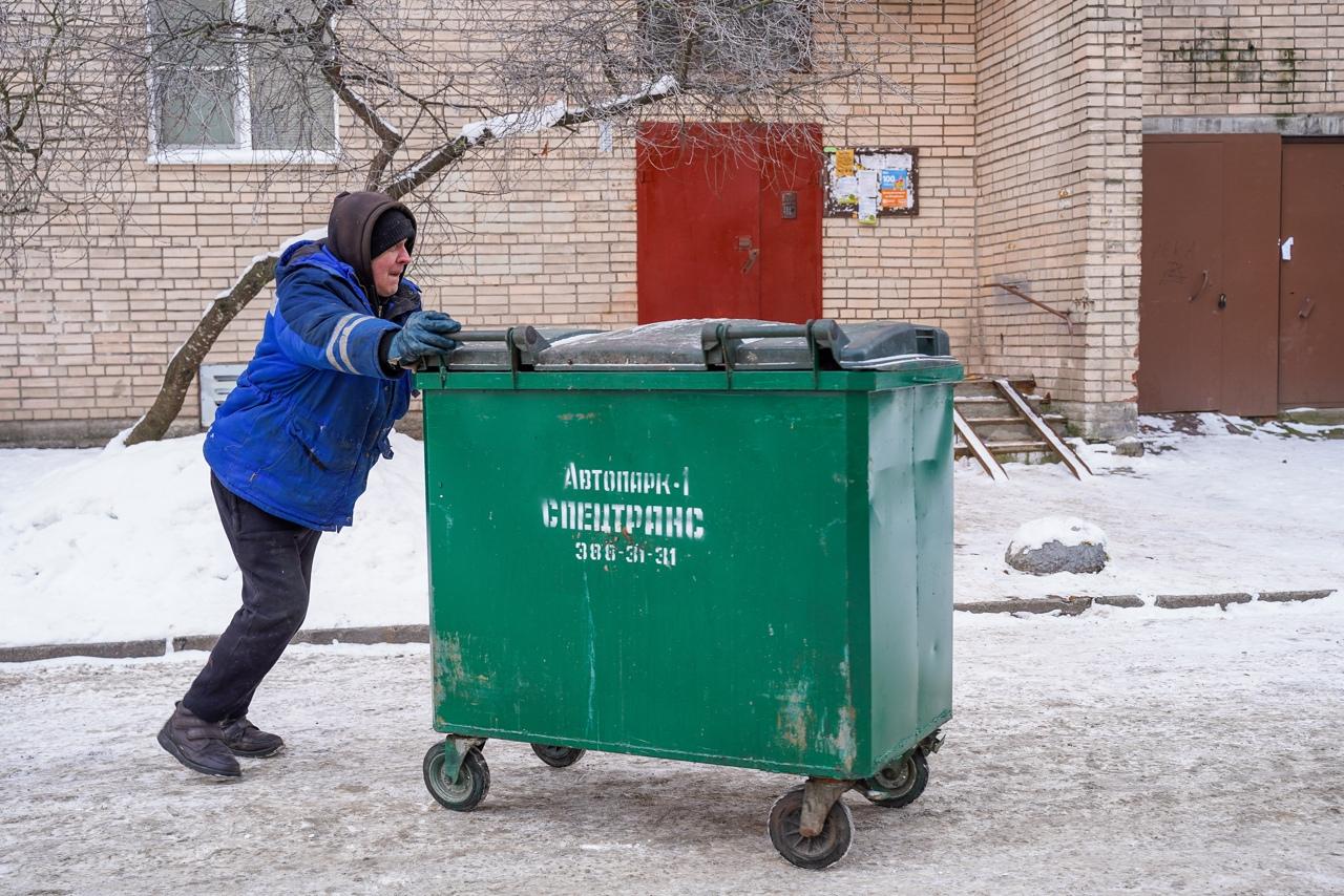 Неудовлетворительный вывоз мусора на Гоголя